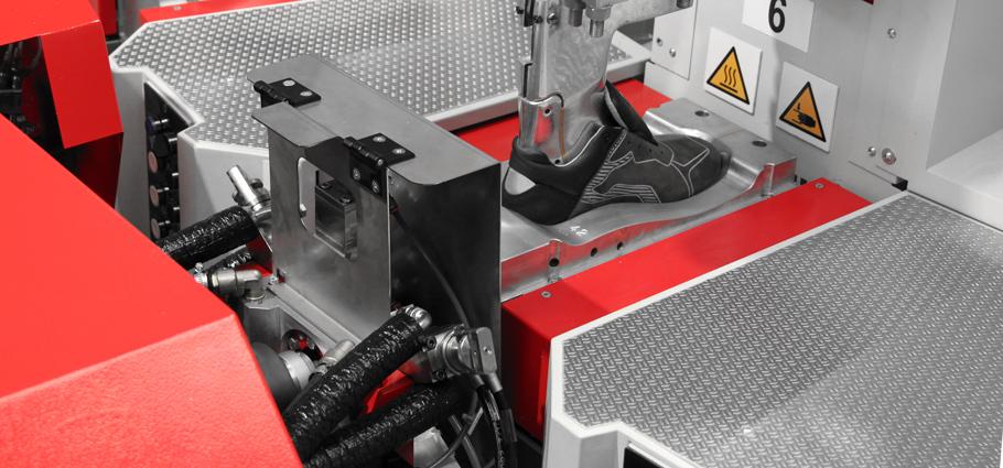 Polyurethane direct injection on upper technology